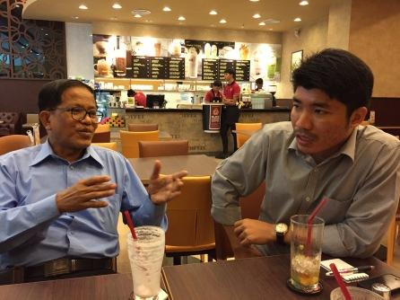 Møte med leder i det etniske forhandlingsteamet NCCT, Nai Hong Sar (Nai Han Tha) og Twan Zaw, også i NCCT/UNFC og GS i Arakan National Council. September 2014.