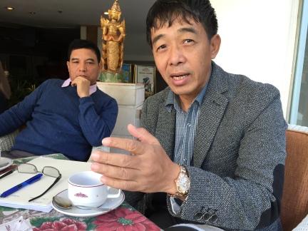 General Gun Maw i Kachinhæren KIA, og en del av UNFC og det etniske forhandlingsteamet NCCT. Fra et lunsjmøte i Chiang Mai i 2014.
