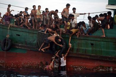 Rohingyaer på flukt har satt verdens søkelys på konflikten. Merk! Ikke alle på dette bildet er rohingyaer, og ikke alle er fra Burma.